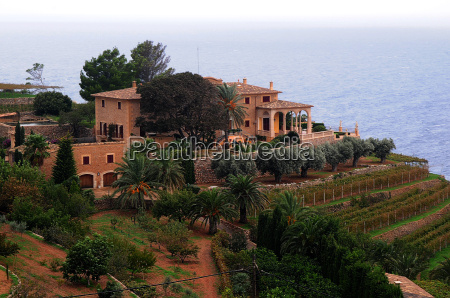 winery in banyalbufar mallorca
