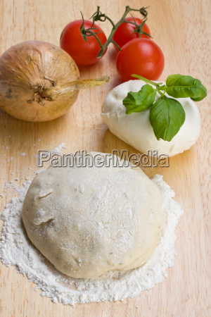 pastry cheese tomatoes and onions on