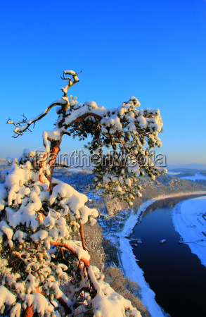 winter on the elbe