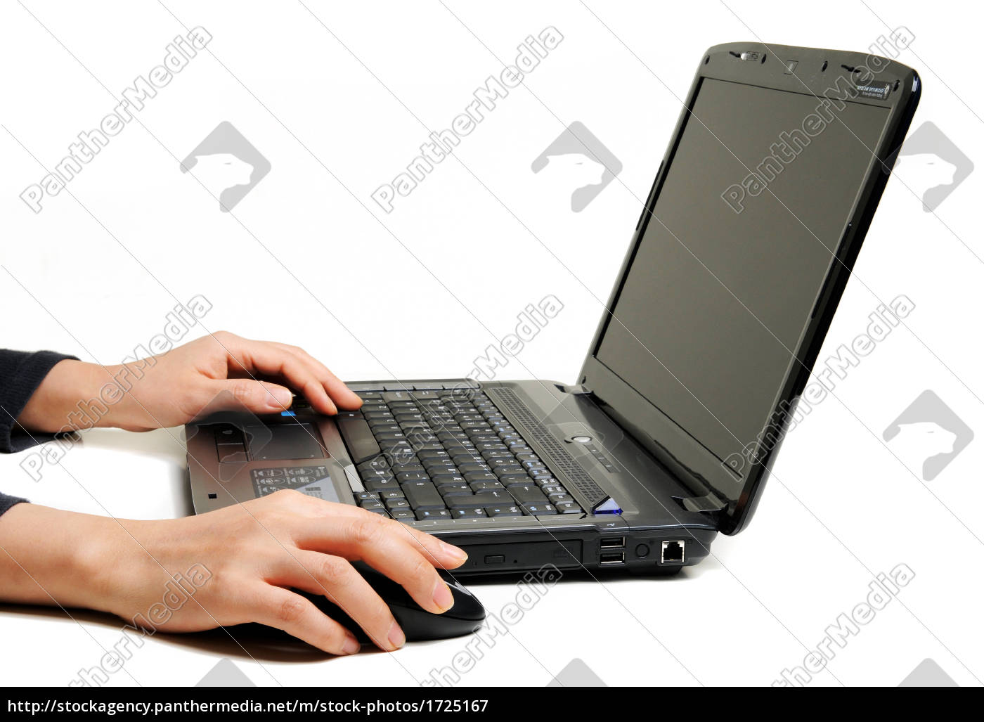 female, hands, using, laptop - 1725167