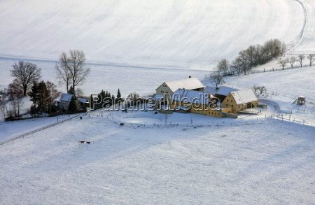 house building winter farm landlive snow