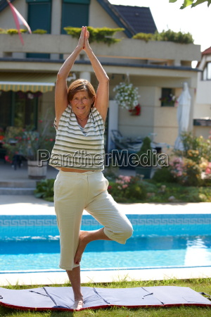 , senior, woman, doing, yoga - 1763617