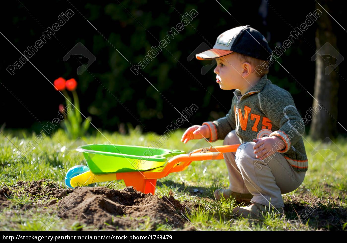 little, gardener - 1763479