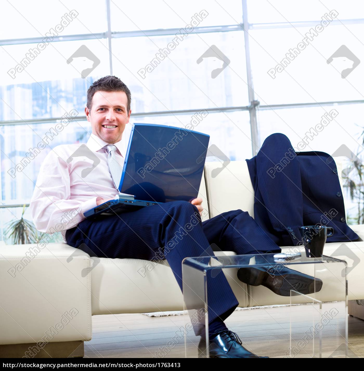 smiling, businessman, with, laptop - 1763413