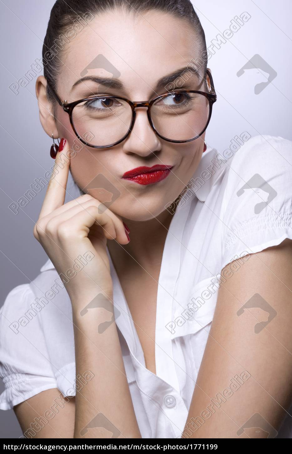 young, woman, with, glasses - 1771199