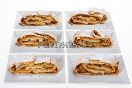 number of apple strudel with icing