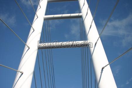 ceu nuvens ruegenbruecke stralsund mecklenburgvorpommern pylonen