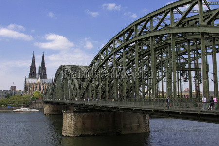 cologne cathedral bridge rhine steel construction