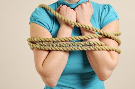 arms are tied horizontally