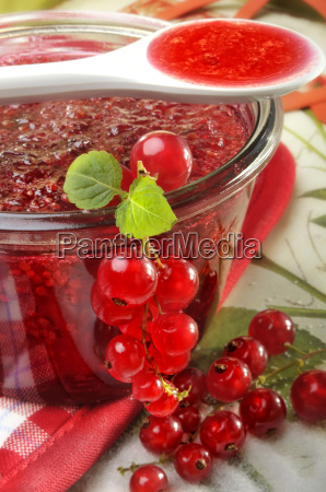 freshly cooked currant jam
