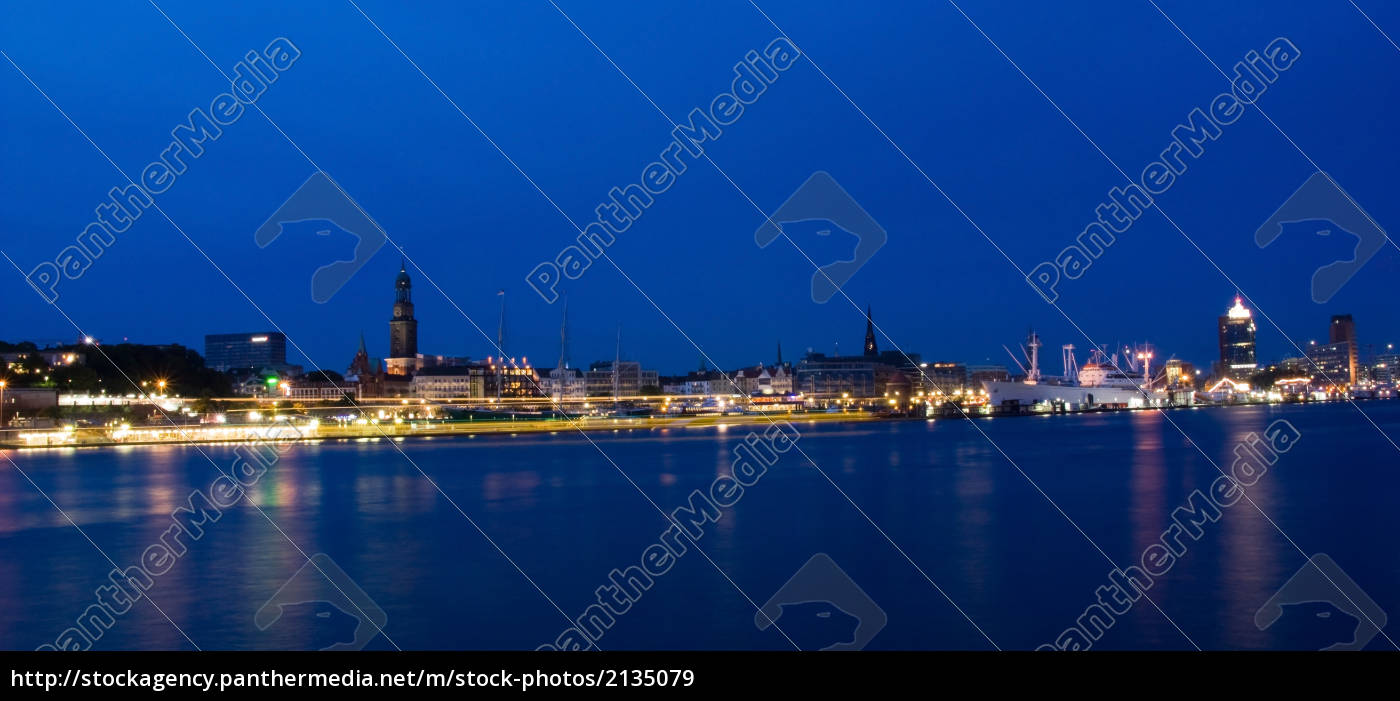 panorama, night, in, the, port - 2135079