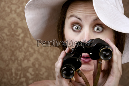 woman, with, sunglasses, and, binoculars - 2201157