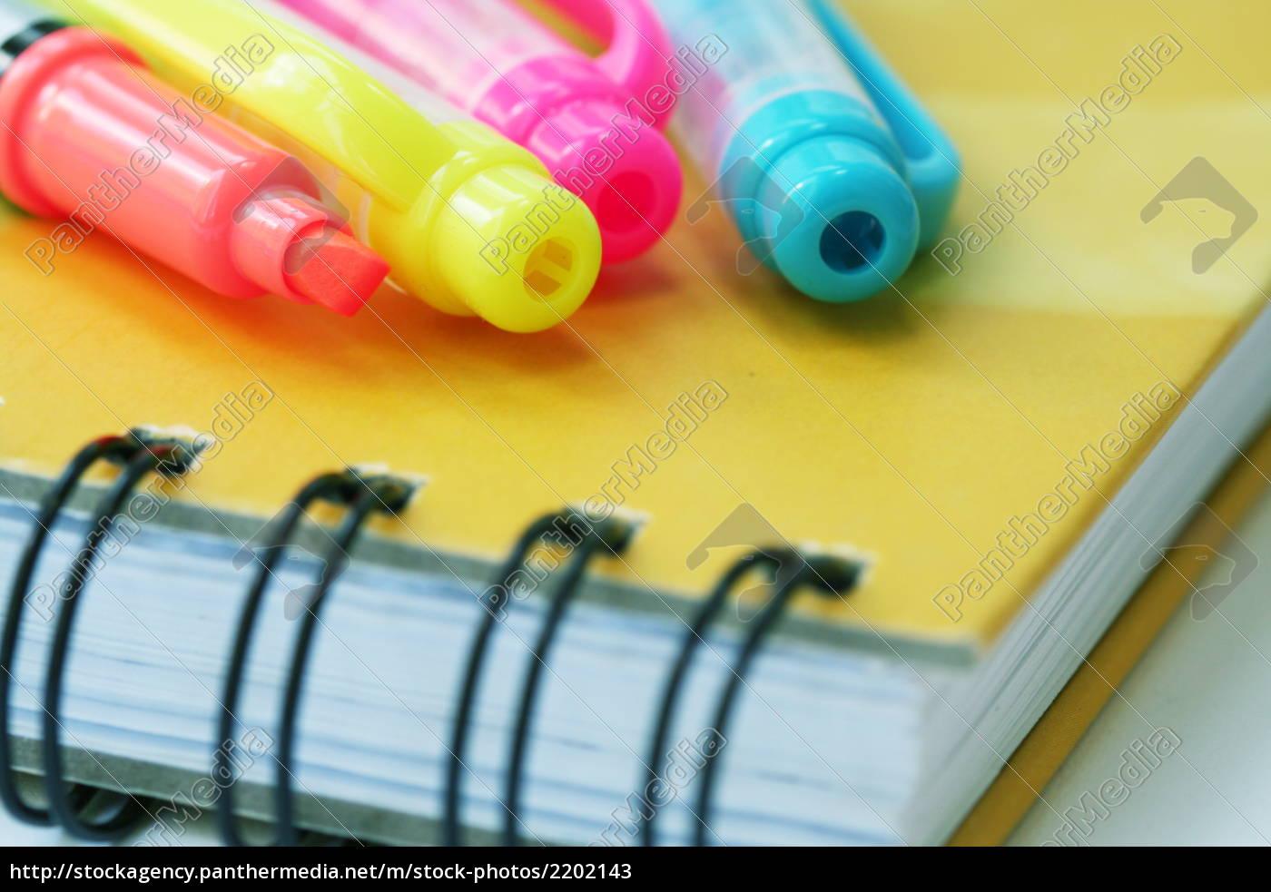 pens - 2202143