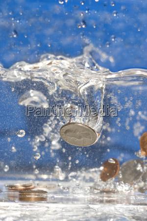 money, down, the, drain - 2203433