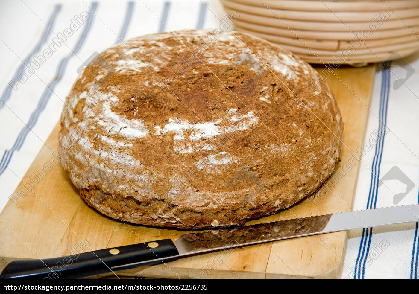 bread, loaf, on, vesper, board, with - 2256735