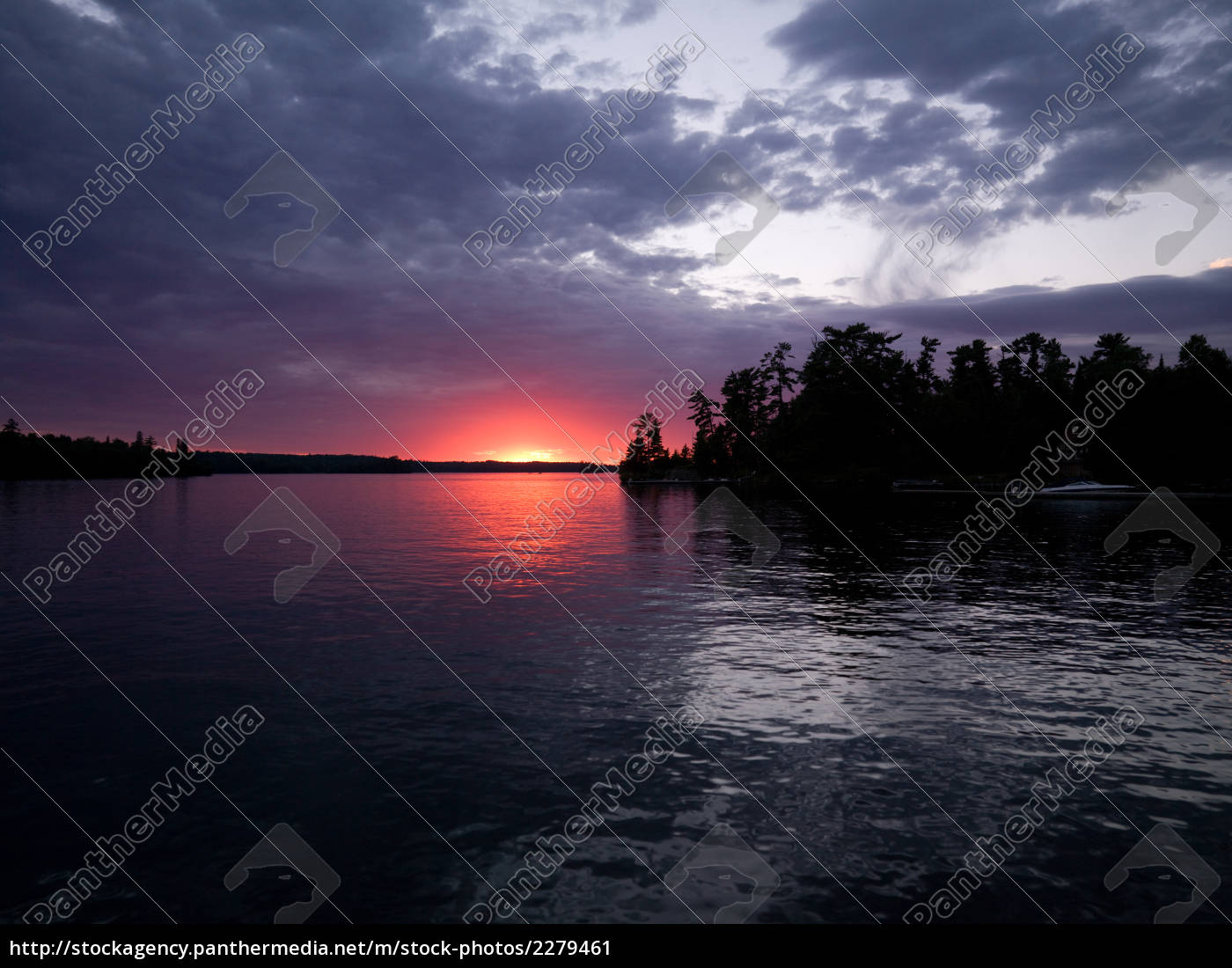 glow, at, quiet, lake - 2279461