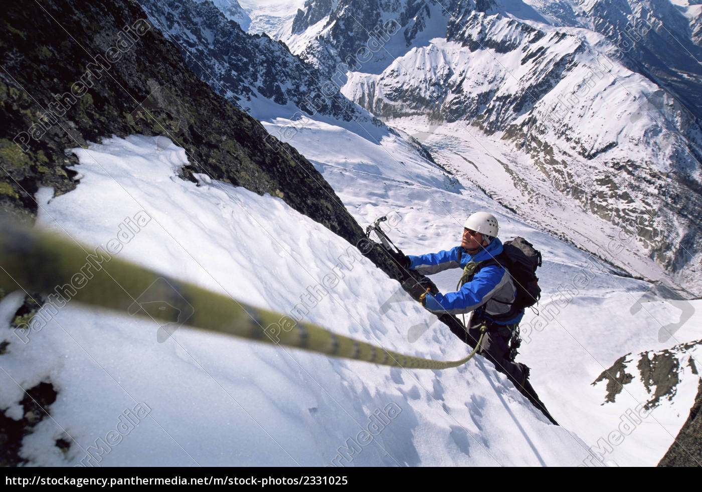 mountain, climber, going, up, snowy, mountain - 2331025