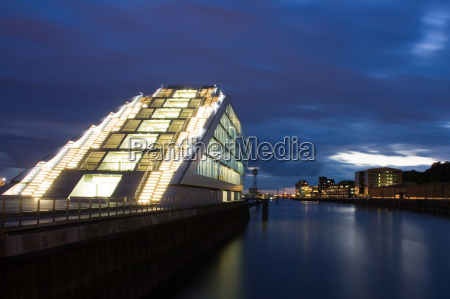 dockland am abend