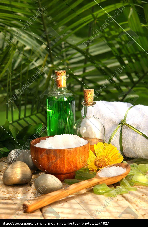 bath, salts, and, essential, oils - 2541827