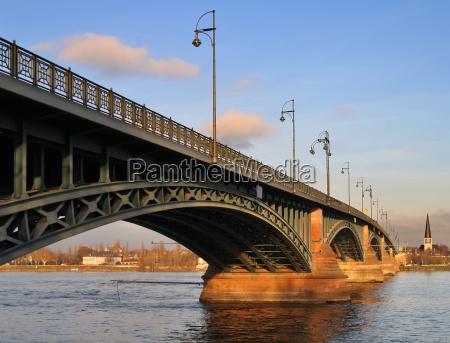 theodor heuss bridge mainz