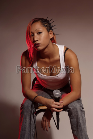 woman, with, microphone - 2625154
