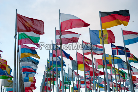 state flags in the wind