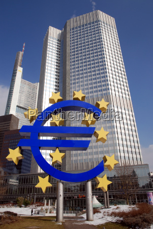 euro sign in front of ecb