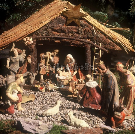 nativity, scene, with, wooden, figures - 2806547
