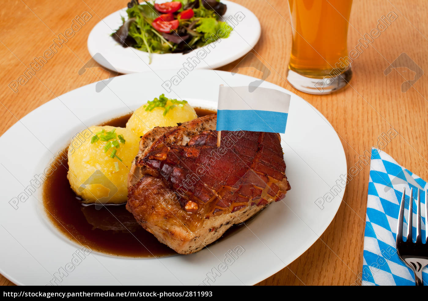 bavarian, roast, pork, with, dumplings - 2811993