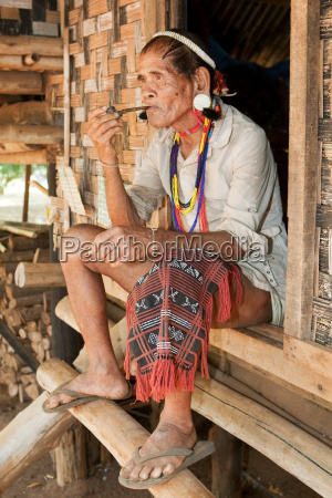 portrait, of, old, man, with, smoking - 2814901
