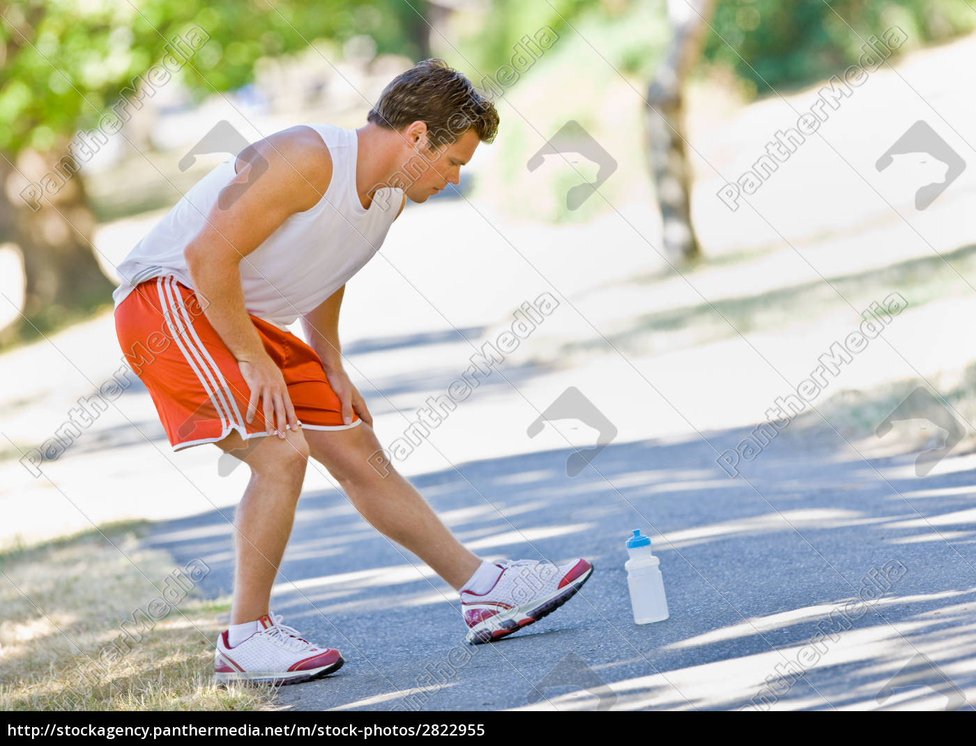 runner, stretching - 2822955