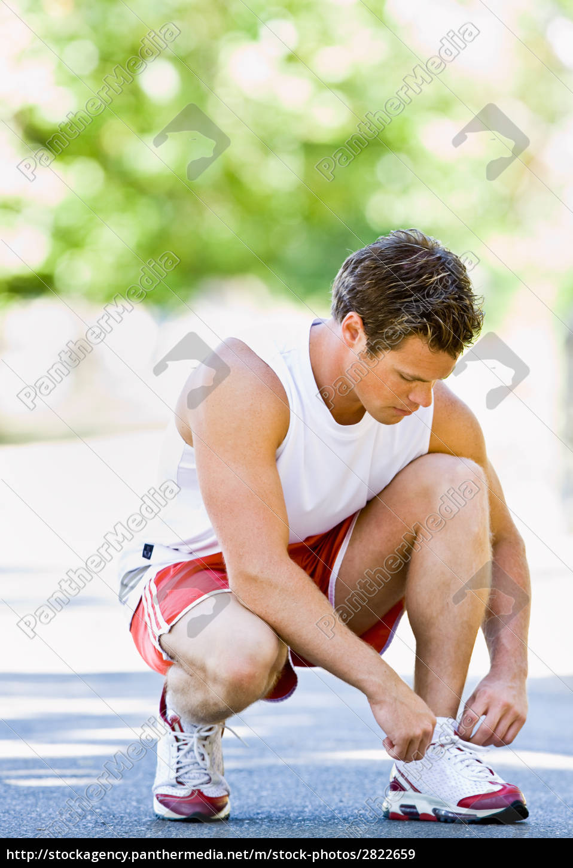 runner, tying, shoes - 2822659