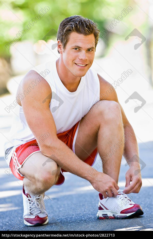 runner, tying, shoes - 2822713