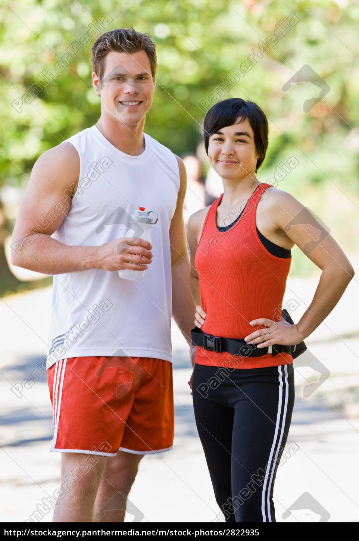 runners, drinking, water - 2822935