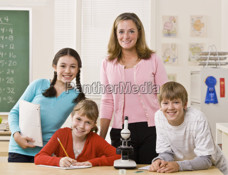 teacher, , students, and, microscope, in, classroom - 2822397