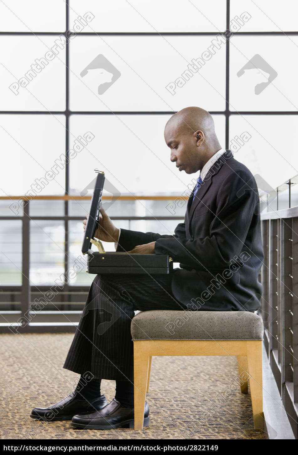 young, businessman, with, briefcase - 2822149