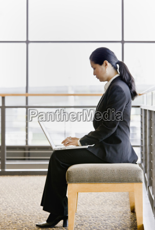 young, woman, with, laptop - 2822845