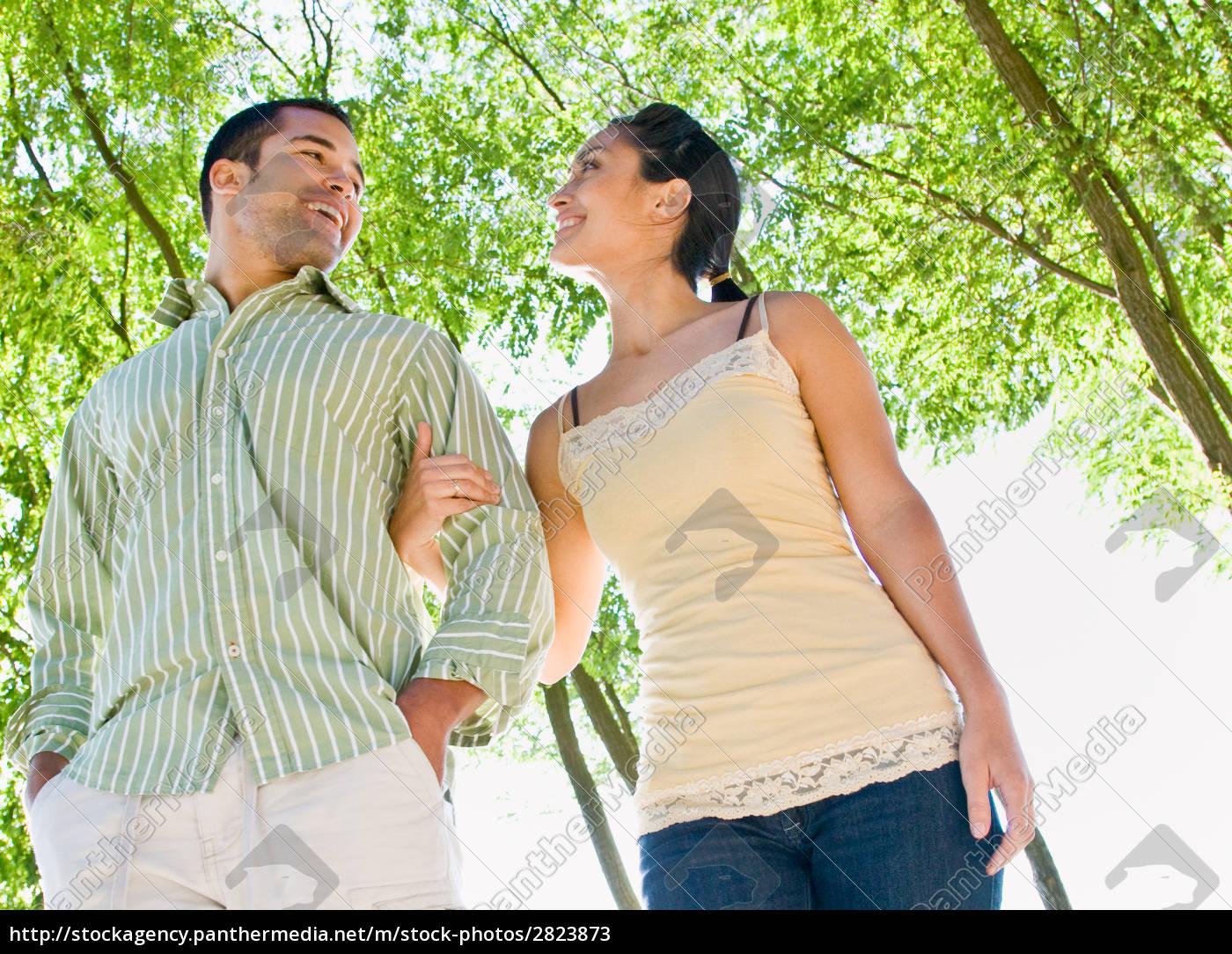 couple, walking, outdoors - 2823873