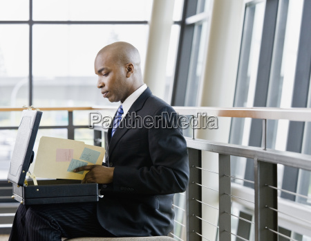 young, businessman, with, briefcase - 2824435