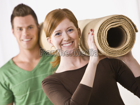 couple, carrying, carpet, roll - 2831783