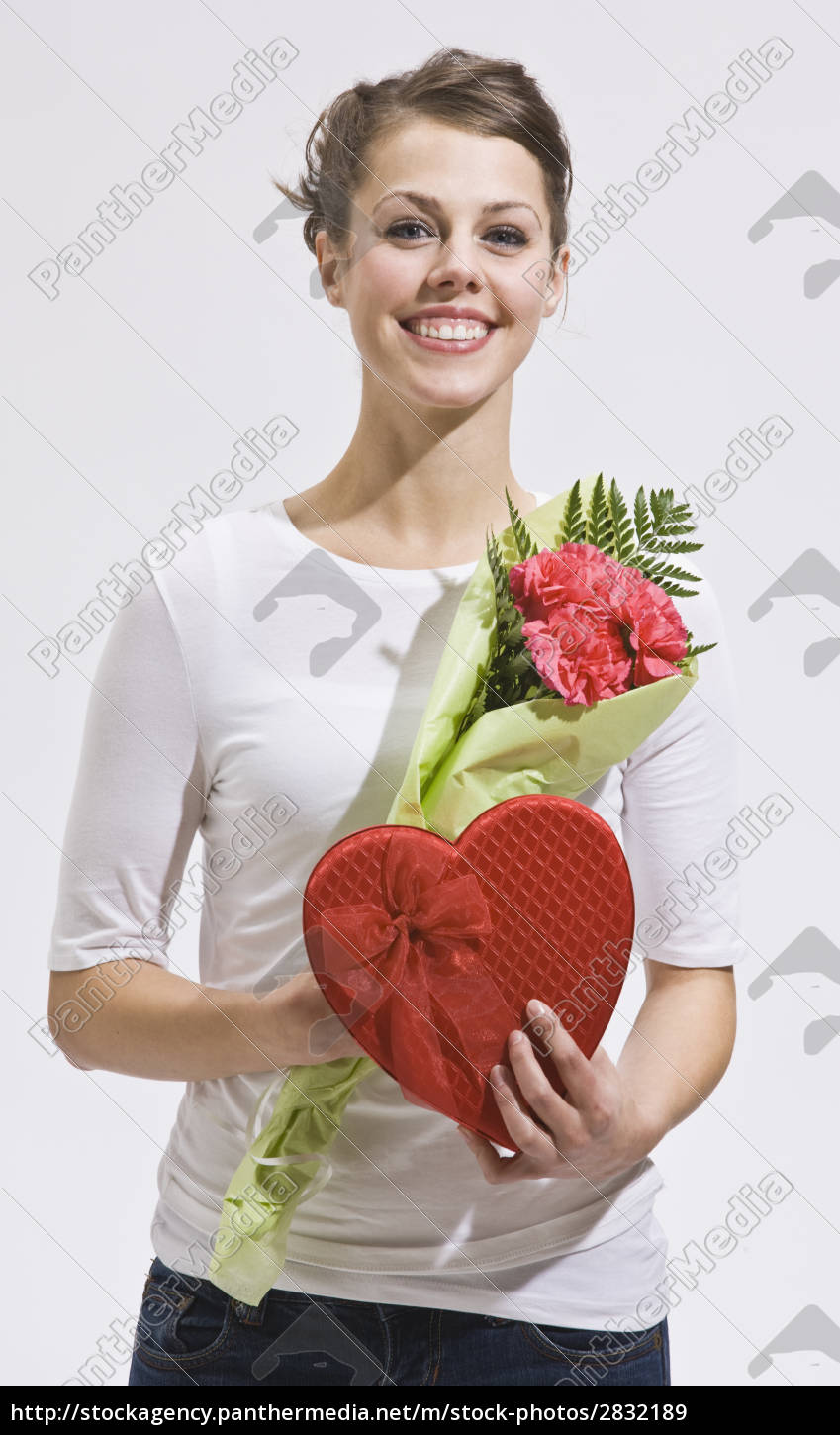 attractive, woman, and, valentines, day, gifts - 2832189