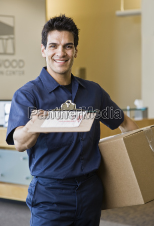 young, man, delivering, box - 2833829
