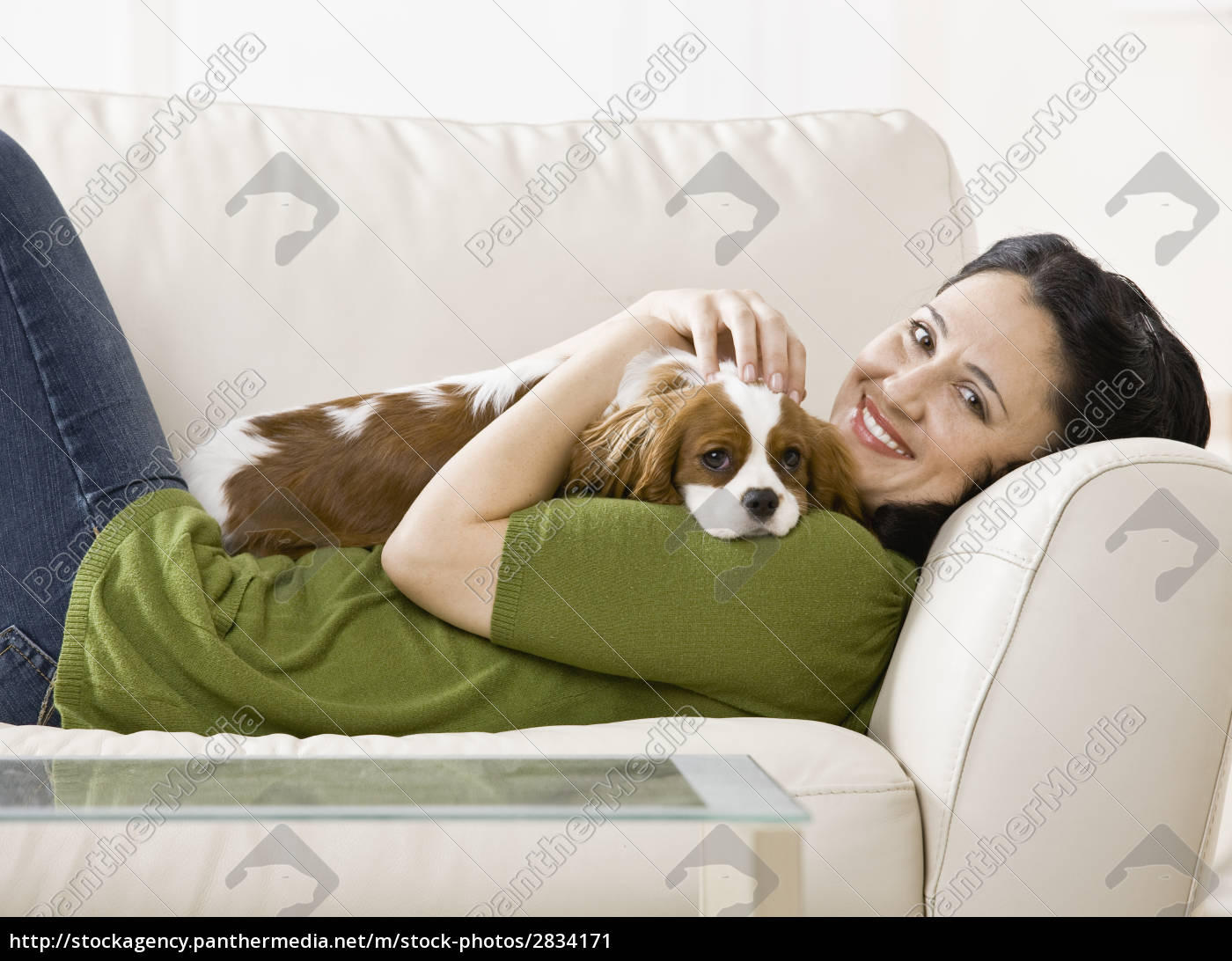 adult, woman, with, puppy - 2834171