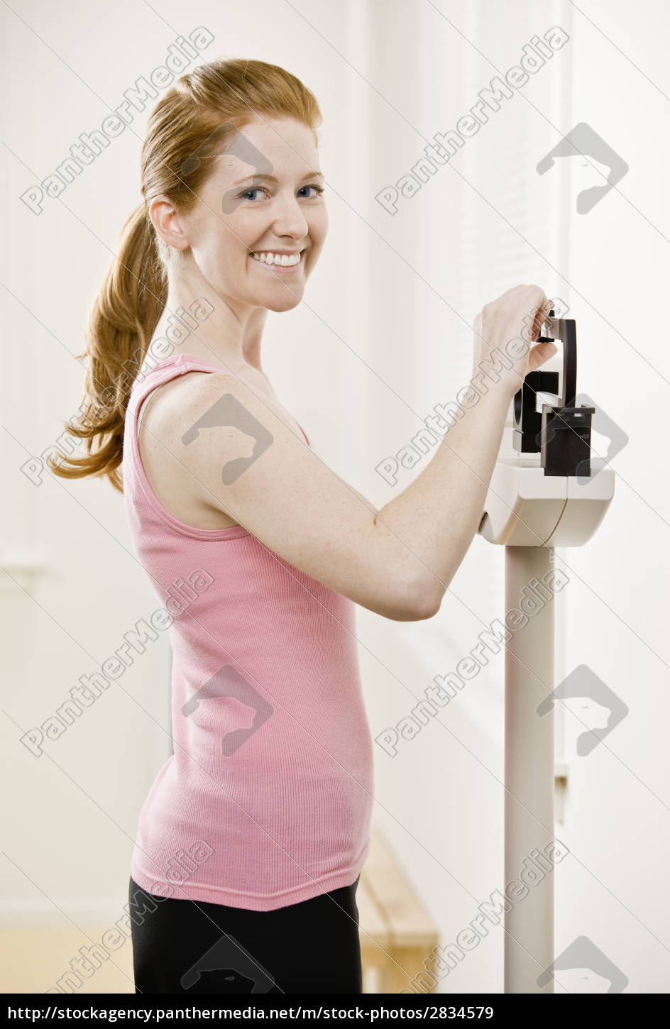 young, woman, weighing, self - 2834579