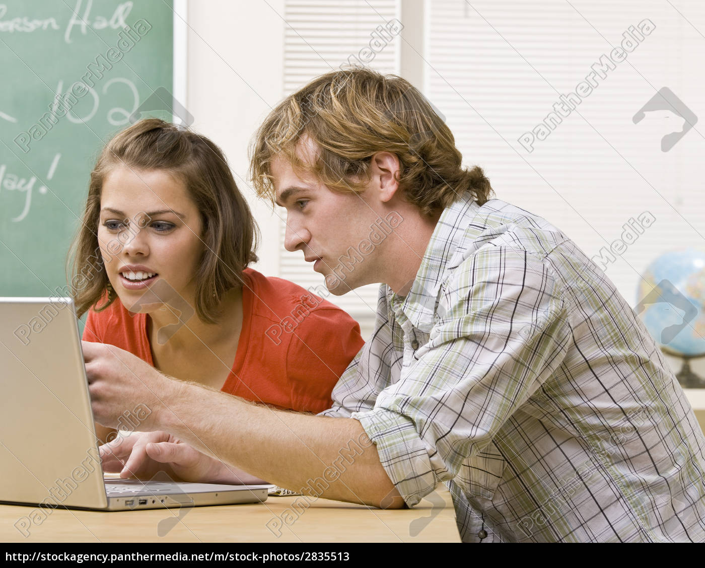students, studying, together, in, classroom - 2835513