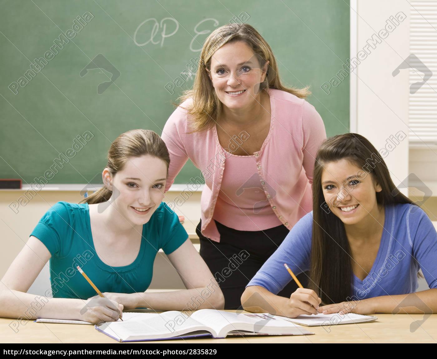 teacher, helping, students, study - 2835829