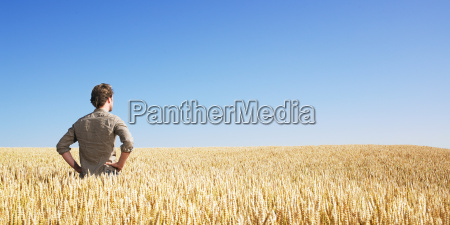 young, man, in, wheat, field - 2837673