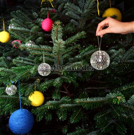 decorating, christmas, tree - 2838589