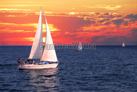 sailboats, at, sunset - 2848037