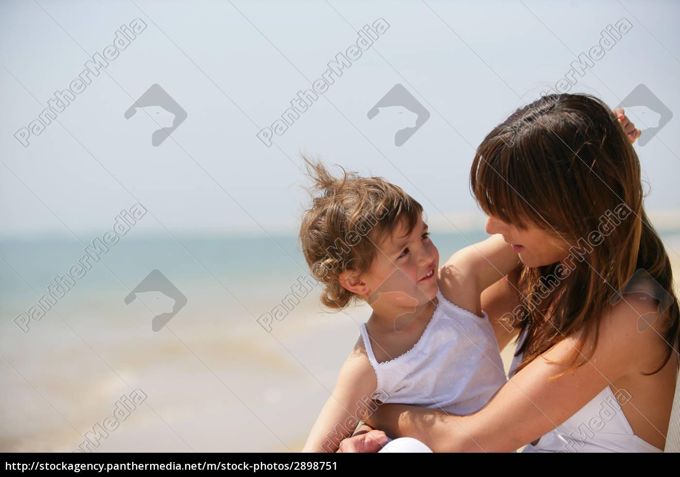 portrait, of, a, little, girl, sitting - 2898751